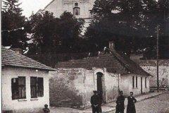 ul-klasztorna-pinczow