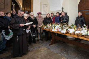 Błogosławieństwo pokarmów w pińczowskim klasztorze